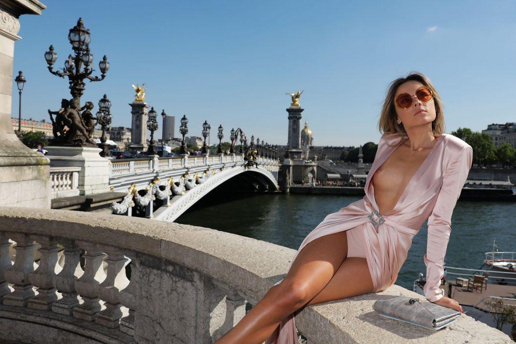 Erica Pelosini Nip Slip Nude